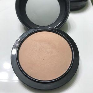 Other - Mac mineralized skin finish